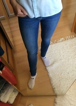 Kup mój przedmiot na #vintedpl http://www.vinted.pl/damska-odziez/rurki/14589699-jeansowe-spodnie-rurki-h-m