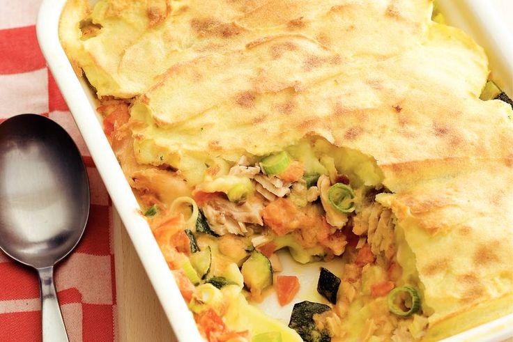 Visschotel met aardappelpuree - Recept - Allerhande