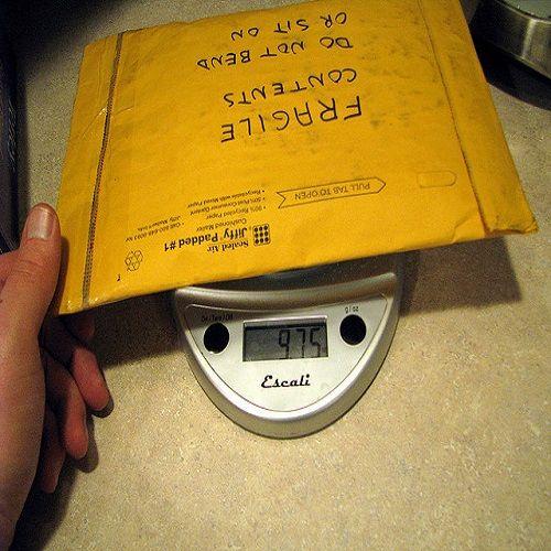 http://www.bax.fi/verkko-ostokset - Ennen musiikin ja elokuvien lataamista ja e-kirjoja, verkko-ostokset koostuivat enimmäkseen cd-levyistä, videokaseteista/dvd-levyistä ja kirjoista. #verkkoOstokset #onlineShopping #pakkaustuotteet #packagingProducts #finland Iamge: Verkko-ostokset.jpg