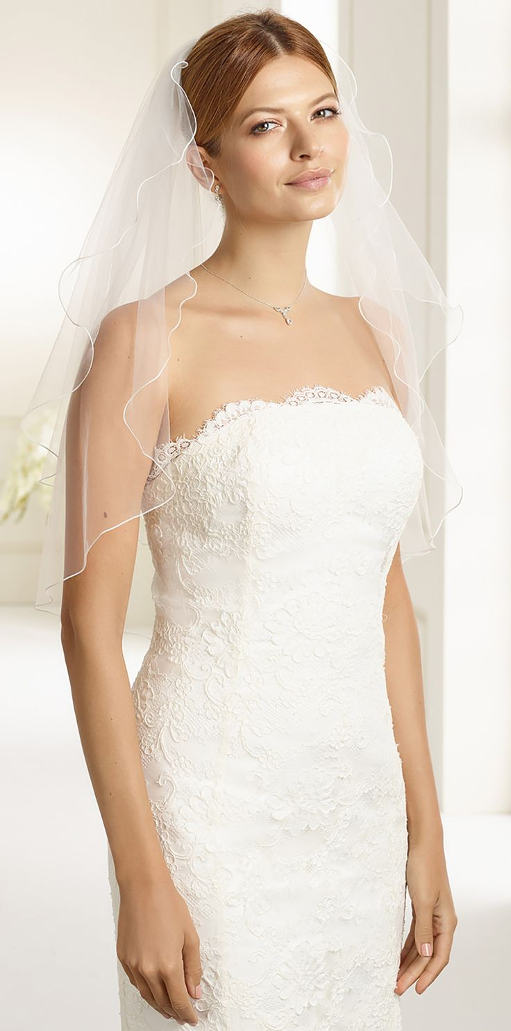 Fabulous veil S26 from Bianco Evento #biancoevento #veil #weddingdress #weddingideas #bridetobe