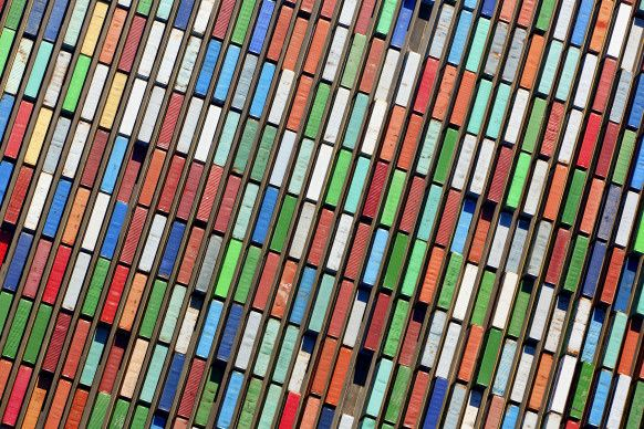 GOOGLE AND DOCKER RECHARGE THE CONTAINER REVOLUTION http://www.wired.com/2015/07/1812997/