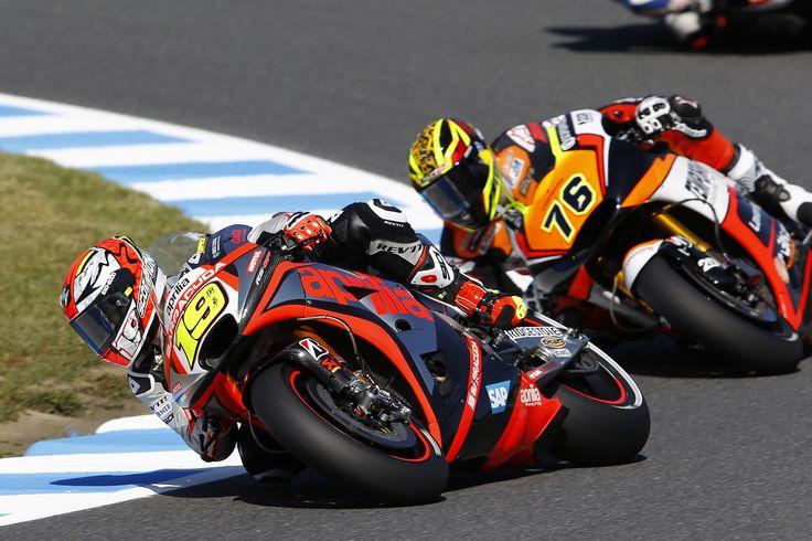 #aprilia #bearacer #JapaneseGP #MotoGP #Motegi #apriliaracing #bike #moto #race #italy #italian #sport