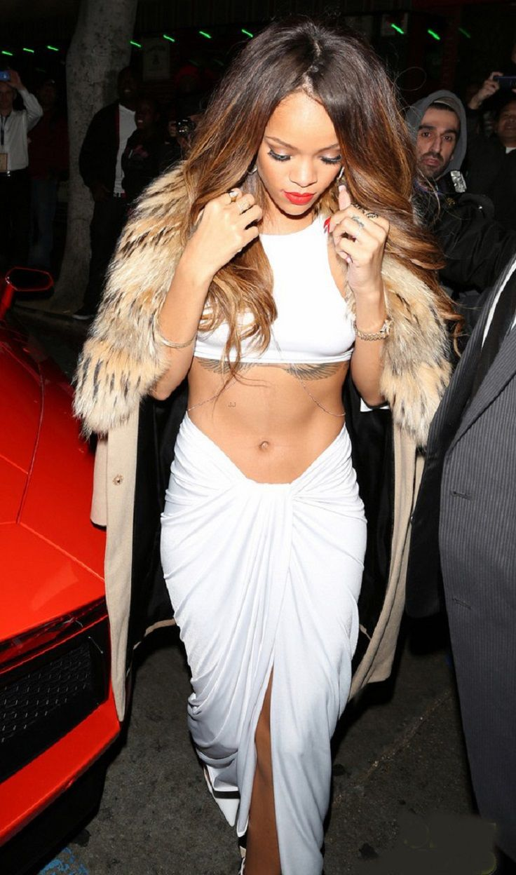 Top 10 Best Rihannas Outfits of 2013