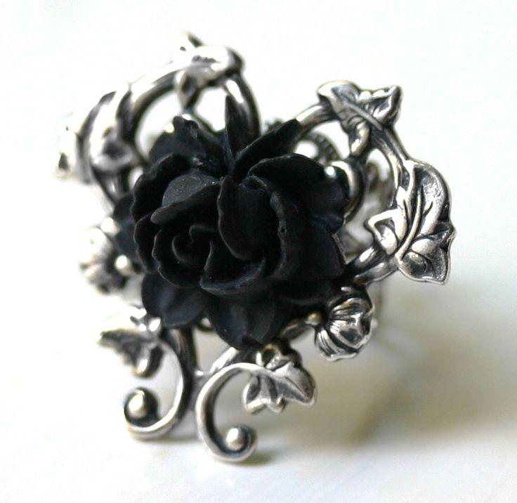 Victoriaanse zwarte roos Ring in zilver door robinhoodcouture
