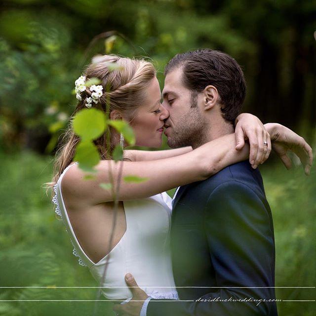 Canadian Wedding :) #canadawedding #canadianwedding #canadianphotographer#torontobride #torontowedding #torontophotographer #torontoweddingvenue #torontoweddingphotographer #wedding #weddingphotographer #weddingphotography #photography #photooftheday