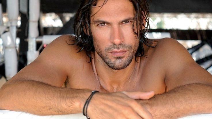 Γιάννης Σπαλιάρας: Η μητέρα του αποκαλύπτει το λόγο που πήγε στο Survivor > http://arenafm.gr/?p=302316