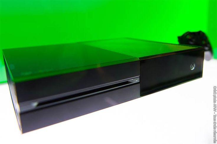 Xbox One sera disponible dès le 22 novembre 2013 dans 13 pays : Allemagne, Australie, Autriche, Brésil, Canada, Espagne, États-Unis, France, Irlande, Italie, Mexique, Nouvelle-Zélande et Royaume-Uni.