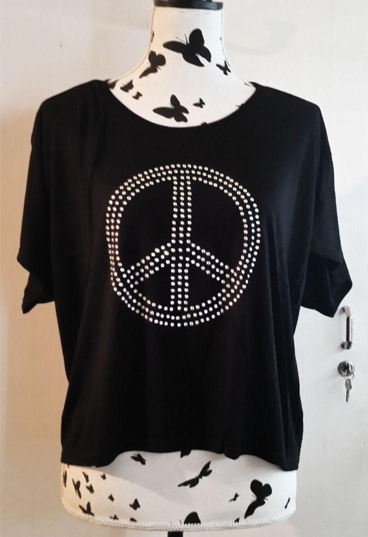 Oversized Crop Top with rhinestone #peace sign #festival shirt #handmade #fashion #Etsy
