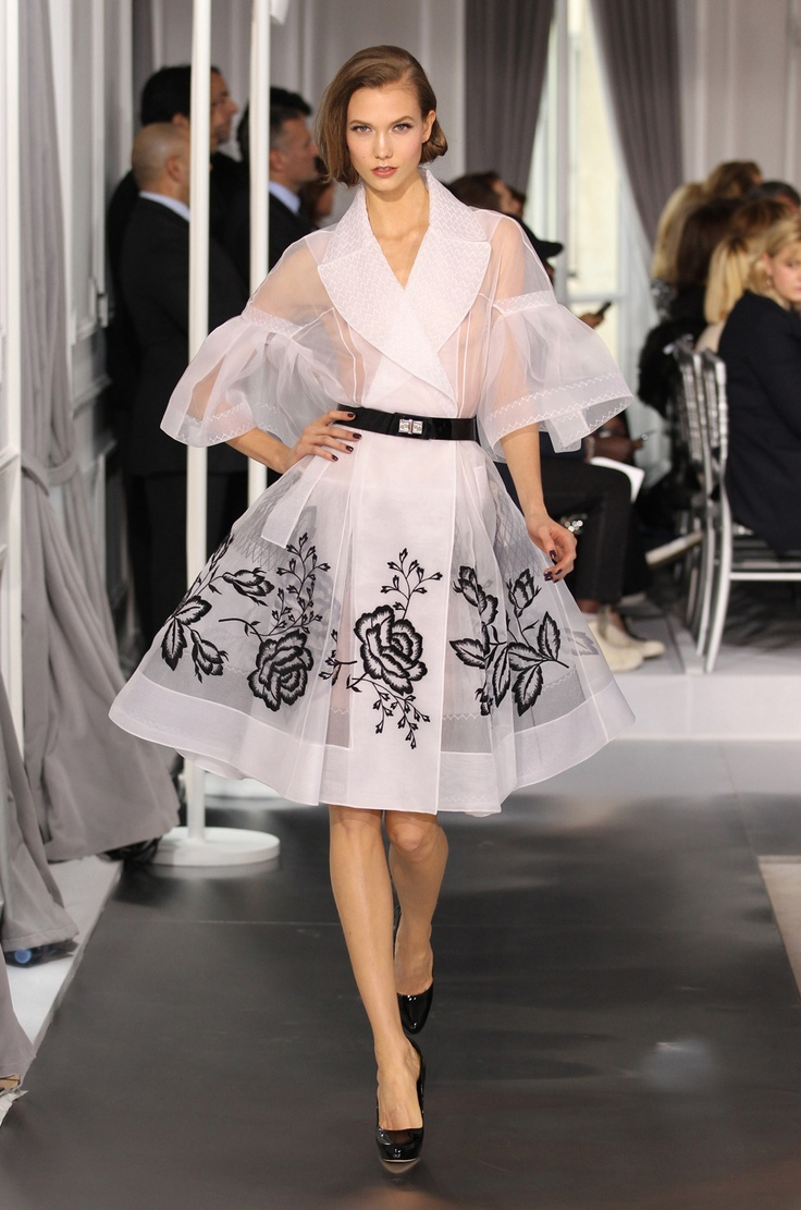 Look N° 1, Embroidered white silk coat. Dior Collection Spring-Summer 2012.   The first time I saw this I just thought this masterpiece was a great start.