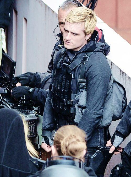 Hunger Games / Mockingjay Movie Set / Peeta / Josh