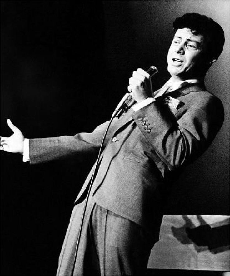 Eddie Fisher, 1928-2010Eddie Fisher, whose huge fame as a pop singer was overshadowed by scandals ending his marriages to Debbie Reynolds and Elizabeth Taylor, has died. He was 82.His daughter, Tricia Leigh Fisher of Los Angeles, told The Associated Press that Fisher died Wednesday night of complications from hip surgery at a hospital in Berkeley.Fisher's clear dramatic singing voice brought him a devoted following of teenage girls in the early 1950s. He sold millions of records with 32 hit…
