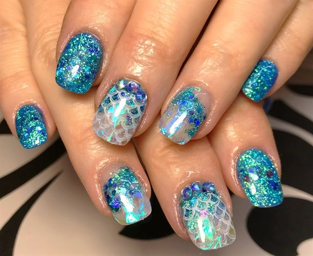 Day 22 Scales Sparkle Nail Art Mermaid Nail Art Mermaid Nails Sparkle Nails