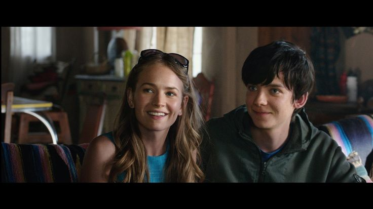 The Space Between Us Asa Butterfield and Britt Robertson Image 4 (6)