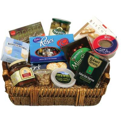 Best 25+ Corporate gift baskets ideas on Pinterest | Gift boxes ...