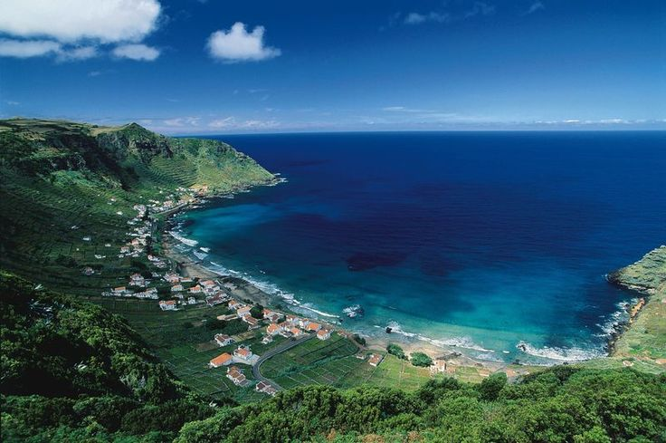 When is the best time to travel to the Azores?The Azores' year-round mild climate gives the islands a fresh, spring like quality no matter when you visit. No matter what the weather is back home, it is always between 52 and 75 degrees F in the Azores. Summer arrives in July and often stays until December.