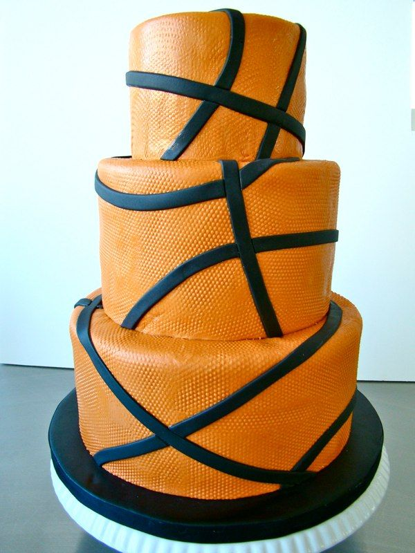 Basketball Birthday Cake. Very cool. (The Butter End Cakery)