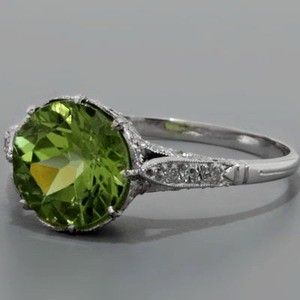 Peridot Ring Edwardian Style. I've come a long way in accepting peridot as my birthstone. I've finally seen quality specimens that are not snot green, and for that, I am thankful.