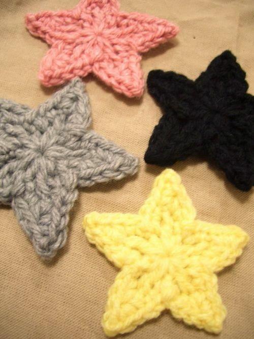Hobilerim-begendiklerim  (cam ve ahşap boyama, örgü, keçe, tasarım): Örgü yıldız figürler