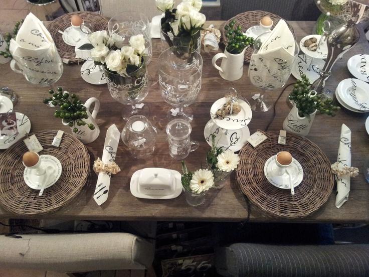 Sfeervol gedekte tafel  Gedekte tafels  Tafels Tafeldecoratie en Servies