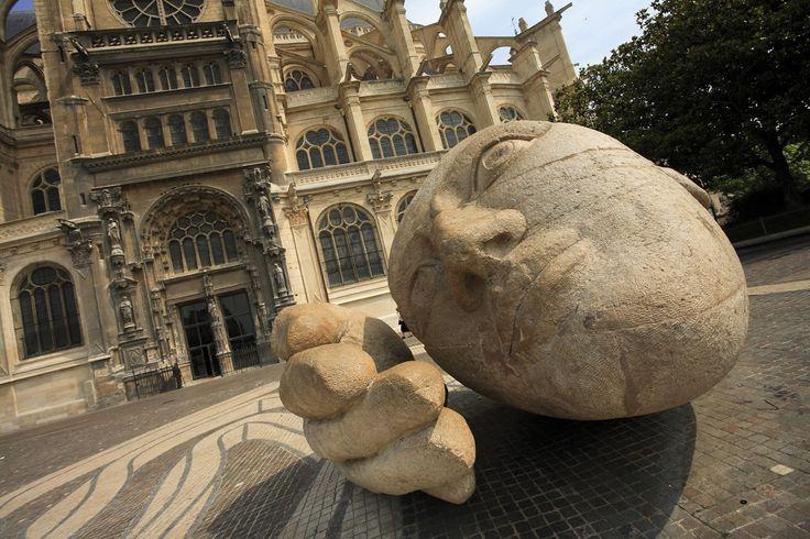 La escultura oyente de Les Halles, Paris.