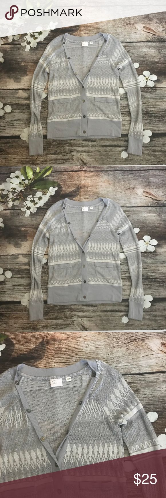 """Anthropologie 9-H15 stcl Silver Cardigan Size XS EUC Anthropologie 9-H15 stcl Silver Cardigan.  Size XS Measurements: 30"""" Chest, 21"""" Length Materials: 62% Acrylic, 16% Nylon, 12% Wool, 10% Metallic Anthropologie Sweaters Cardigans"""