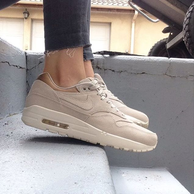 womens nike air max 1 premium casual shoes