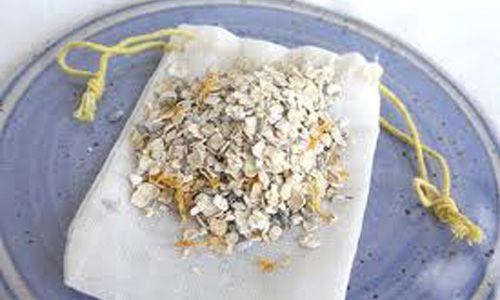 Bagno d'avena: rimedio naturale per pruriti, orticaria e psoriasi