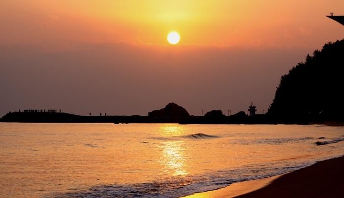this sea is Jeongdongjin in East Sea of Korea