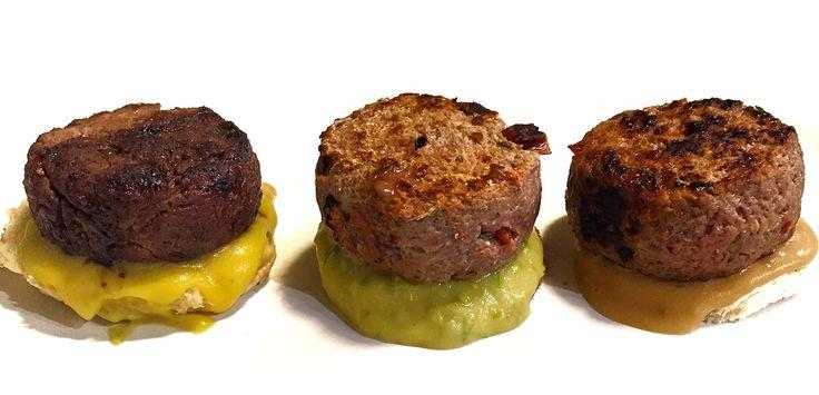#FantaBurger A sx #burger di #manzo rimacinato con #rosmarino #capperi e #acciughe #marinato con #zucchero di #canna #zenzero e #cannella. Poggiato su #panbrioche e #salsa di #patate alla #curcuma.  Centro Stesso burger #marinato con #sale #timo e #maggiorana. Poggiato su #pane #integrale e #salsa di #patate agli #asparagi. A dx Stesso #hamburger #marinato con #agrumi su #pane bianco e #crema di #patate alla #salsa di #soia. #Buonappetito