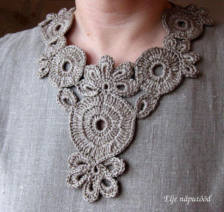 Estonian DROPS fan Elje Tamlak made this beautiful crochet necklace DROPS 146-14 Cassiopeia