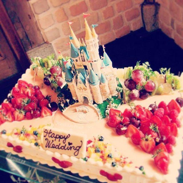 オリジナルケーキ わー!きゃー! なにこれ!可愛い! 美味しそう! ゲストのみんなから 「おめでとう!」 の色で染まっていく このひととき #shozan…