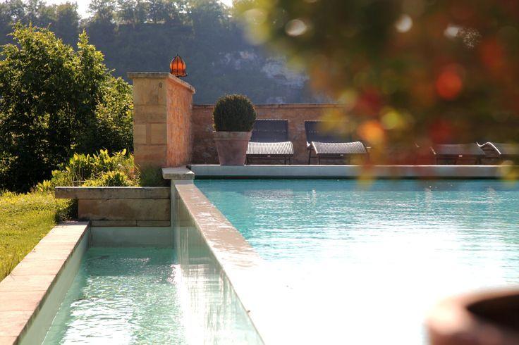 Idée Piscine n°18 - Une piscine à débordement - Devibat.com