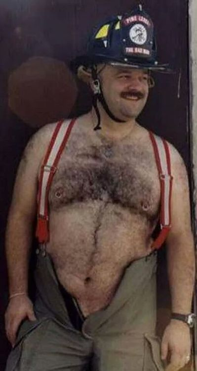 nude male shower