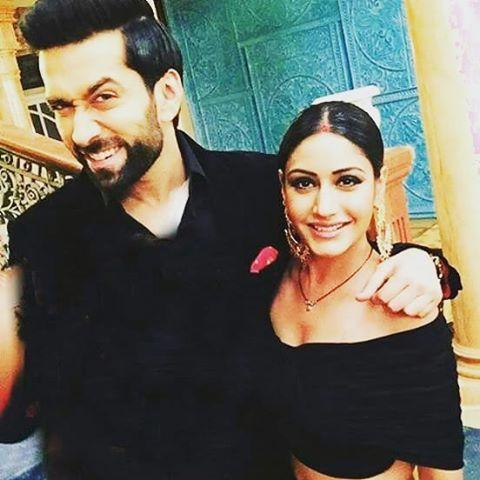 Nakuul looking so cute and Surbhi so hot !!!!!!!!! #Narbhi #Shivika #ISHQBAAAZ #DilBoleOberoi