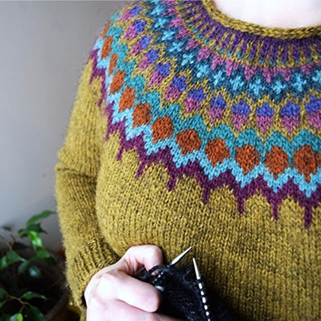 Today I'm knitting sleeve 2 of the big men's lopapeysa I've been working on. Not…