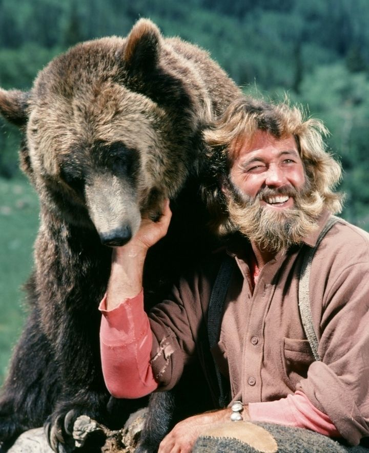 DAN HAGGERTY GRIZZLY ADAMS WITH BEAR 1970'S TV SHOW SERIES 8X10 PHOTO PHOTOGRAPH