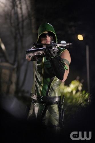 Mij ouders en ik zijn net begonnen met een nieuwe serie: 'Arrow'. Ik vind deze serie een beetje lijken op Batman, maar dan met een andere soort held.