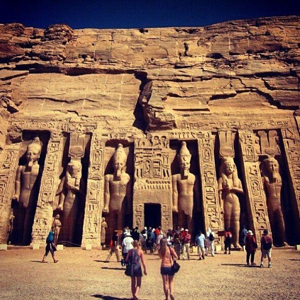 Templo Menor dedicado a la esposa real, Nefertari