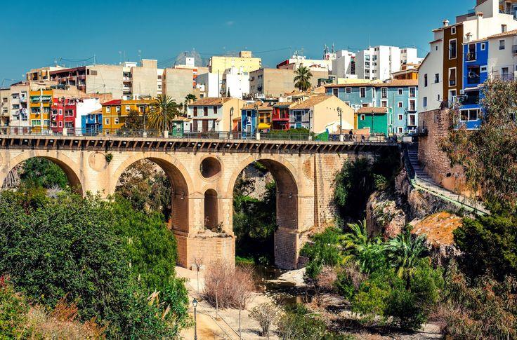 Villajoyosa, ville de pêcheurs en Espagne : Les plus beaux villages d'Europe - Linternaute