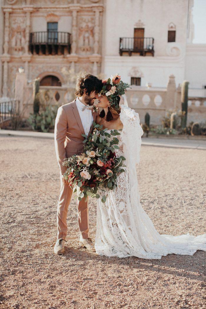 Desert elegance in this fashion-forward wedding inspo | Image by Jordan Voth Photography  #fall #fallwedding #wedding #weddinginspiration #fashion #boho #bohowedding #bohemianwedding #bohemian #desert #desertwedding #bridalstyle #bride #bridalfashion #groom #groomstyle #groomfashion #bouquet #weddingbouquet #bouquetinspo