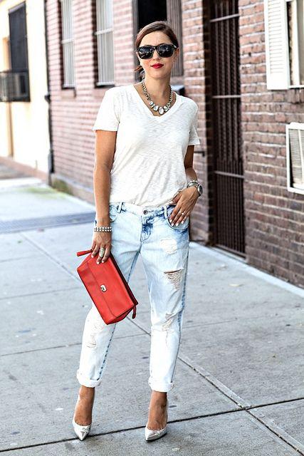 Boyfriend jeans look.