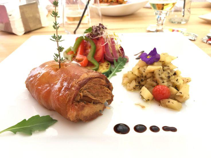 Cilindro crujiente de cochinillo lechal deshuesado #fuengirola #restauranteconsistorio