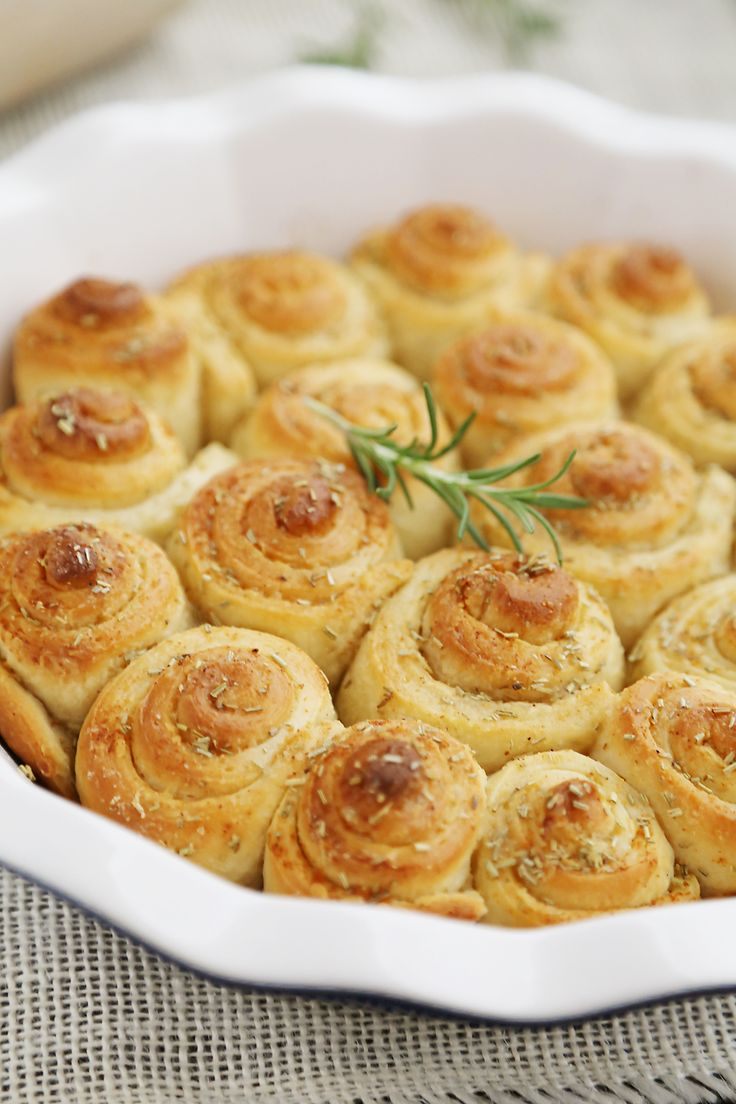 Garlic Butter Rosemary Rolls – Fluffy mini rolls made with pizza dough and brushed with a rosemary garlic butter.