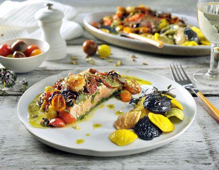 Zalm met pesto en gepofte tomaatjes