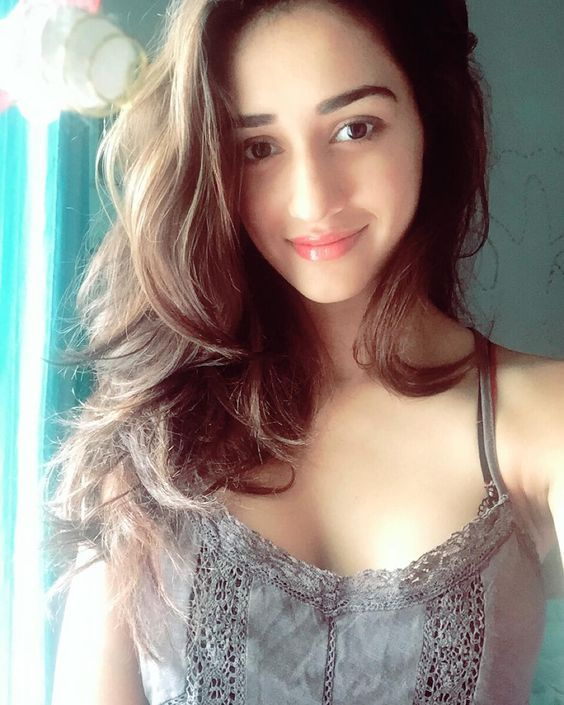 Disha Patani cute and beautiful.