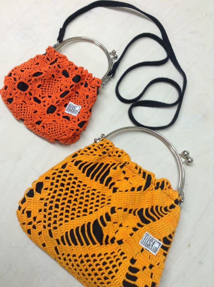 Mini handbag and normal size handbag by Risako. Käsilaukkujen päällinen on valmistettu kierrätetystä käsin virkatusta pitsistä.