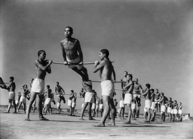 Ken Domon: Students of the Navy training. Yokosuka (1936)