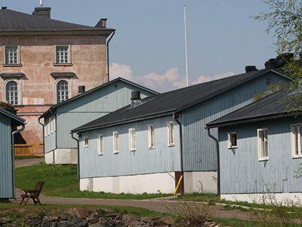 Πλησίστιος...: Οι ελεύθεροι φυλακισμένοι και οι λαχανόκηποι