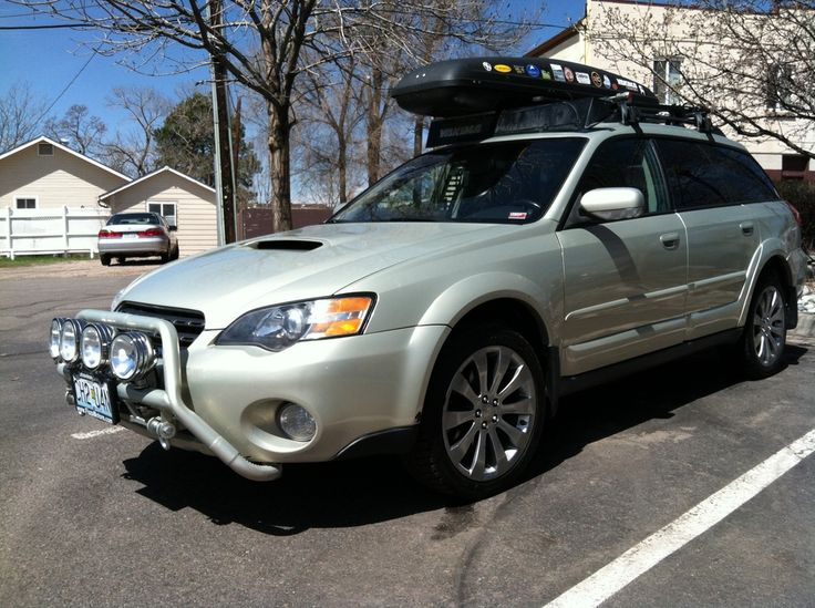 Subaru Light Bar And Roof Box Fordon