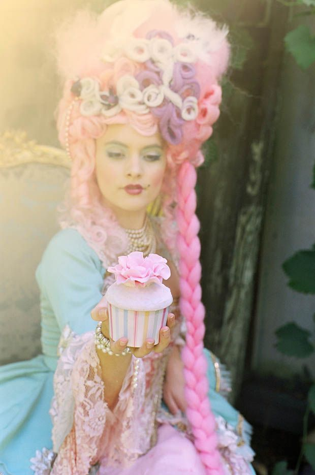 A Marie Antoinette Inspiration- would love to be her for Halloween